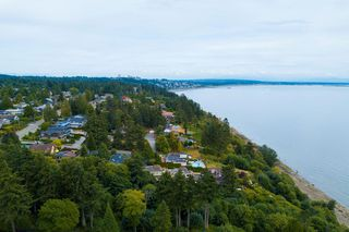 Photo 2: 1329 132B STREET in Surrey: Crescent Bch Ocean Pk. House for sale (South Surrey White Rock)  : MLS®# R2509848