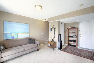 Photo 18: 121 Country Hills Gardens NW in Calgary: Country Hills Row/Townhouse for sale : MLS®# A1057496