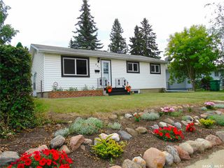Photo 2: 207 Evans Street in Saskatoon: Sutherland Residential for sale : MLS®# SK796150