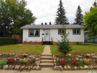 Photo 3: 207 Evans Street in Saskatoon: Sutherland Residential for sale : MLS®# SK796150