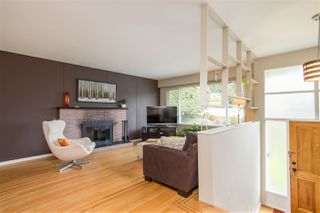 Photo 2: 851 PLYMOUTH Drive in North Vancouver: Windsor Park NV House for sale : MLS®# R2448395