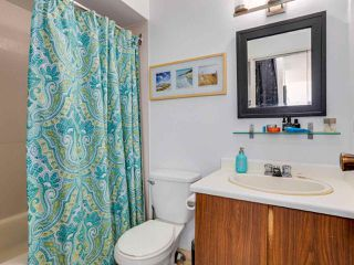 "Photo 11: 403 2173 W 6TH Avenue in Vancouver: Kitsilano Condo for sale in ""THE MALIBU"" (Vancouver West)  : MLS®# R2470311"