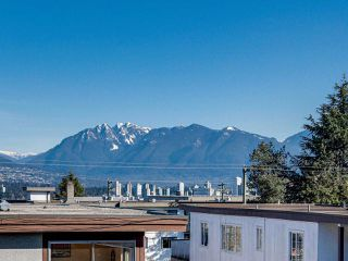 "Photo 14: 403 2173 W 6TH Avenue in Vancouver: Kitsilano Condo for sale in ""THE MALIBU"" (Vancouver West)  : MLS®# R2470311"