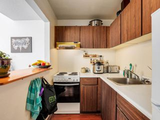"Photo 8: 403 2173 W 6TH Avenue in Vancouver: Kitsilano Condo for sale in ""THE MALIBU"" (Vancouver West)  : MLS®# R2470311"