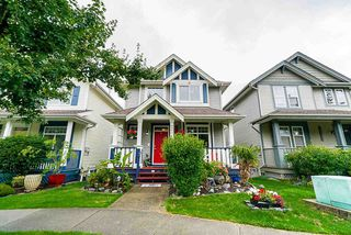 """Photo 2: 18579 67 Avenue in Surrey: Cloverdale BC House for sale in """"CLOVER RIDGE"""" (Cloverdale)  : MLS®# R2481358"""