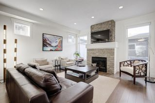 Photo 1: 4927 20 Street SW in Calgary: Altadore Semi Detached for sale : MLS®# A1028904