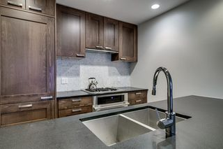 Photo 6: 826 222 RIVERFRONT Avenue SW in Calgary: Eau Claire Apartment for sale : MLS®# A1034122