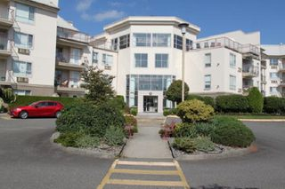 "Main Photo: 420 2626 COUNTESS Street in Abbotsford: Abbotsford West Condo for sale in ""The Wedgewood"" : MLS®# R2398215"