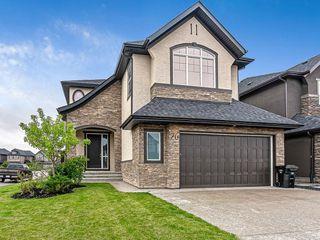Photo 1: 76 Quarry Garden SE in Calgary: Douglasdale/Glen Detached for sale : MLS®# C4268088