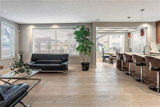 Photo 5: 76 Quarry Garden SE in Calgary: Douglasdale/Glen Detached for sale : MLS®# C4268088