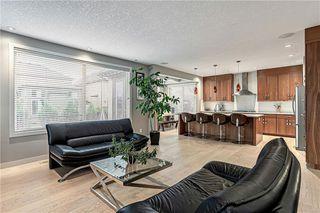 Photo 8: 76 Quarry Garden SE in Calgary: Douglasdale/Glen Detached for sale : MLS®# C4268088