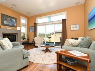 Photo 2: 122 3640 Propeller Place in VICTORIA: Co Royal Bay Row/Townhouse for sale (Colwood)  : MLS®# 416396