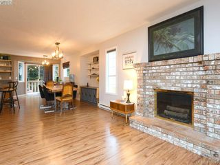 Photo 5: 2445 Mountain Heights Dr in SOOKE: Sk Broomhill House for sale (Sooke)  : MLS®# 827136