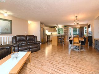 Photo 3: 2445 Mountain Heights Dr in SOOKE: Sk Broomhill House for sale (Sooke)  : MLS®# 827136