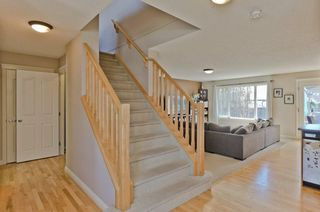 Photo 3: 68 PRESTWICK Close SE in Calgary: McKenzie Towne Detached for sale : MLS®# C4297960