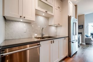 """Photo 7: 508 14855 THRIFT Avenue: White Rock Condo for sale in """"ROYCE"""" (South Surrey White Rock)  : MLS®# R2465060"""
