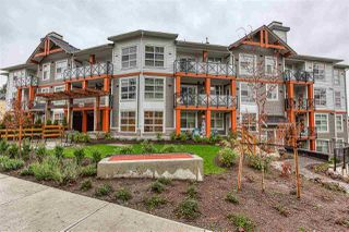 Photo 1: 302 14605 MCDOUGALL Drive in White Rock: King George Corridor Condo for sale (South Surrey White Rock)  : MLS®# R2476304