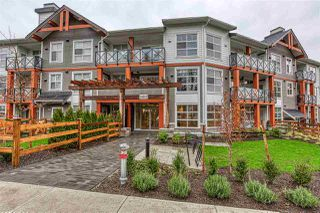Photo 2: 302 14605 MCDOUGALL Drive in White Rock: King George Corridor Condo for sale (South Surrey White Rock)  : MLS®# R2476304