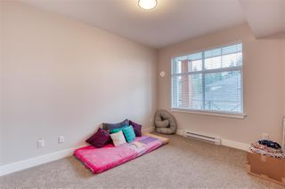 Photo 7: 302 14605 MCDOUGALL Drive in White Rock: King George Corridor Condo for sale (South Surrey White Rock)  : MLS®# R2476304