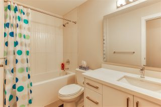 Photo 8: 302 14605 MCDOUGALL Drive in White Rock: King George Corridor Condo for sale (South Surrey White Rock)  : MLS®# R2476304