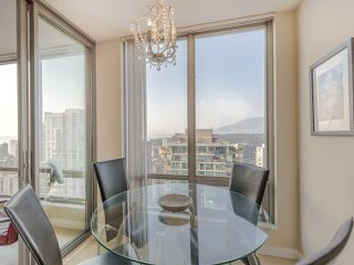 "Photo 8: 3201 1288 W GEORGIA Street in Vancouver: West End VW Condo for sale in ""Residences on Georgia"" (Vancouver West)  : MLS®# R2506068"
