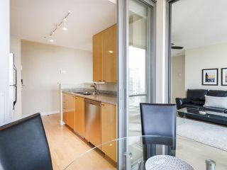 "Photo 11: 3201 1288 W GEORGIA Street in Vancouver: West End VW Condo for sale in ""Residences on Georgia"" (Vancouver West)  : MLS®# R2506068"