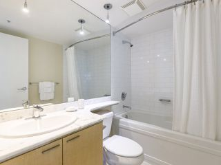 "Photo 25: 3201 1288 W GEORGIA Street in Vancouver: West End VW Condo for sale in ""Residences on Georgia"" (Vancouver West)  : MLS®# R2506068"