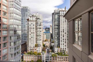 """Photo 20: 2402 969 RICHARDS Street in Vancouver: Downtown VW Condo for sale in """"Mondrian II"""" (Vancouver West)  : MLS®# R2508836"""