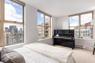 """Photo 10: 2402 969 RICHARDS Street in Vancouver: Downtown VW Condo for sale in """"Mondrian II"""" (Vancouver West)  : MLS®# R2508836"""