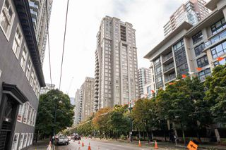 """Photo 23: 2402 969 RICHARDS Street in Vancouver: Downtown VW Condo for sale in """"Mondrian II"""" (Vancouver West)  : MLS®# R2508836"""