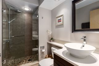 """Photo 12: 2402 969 RICHARDS Street in Vancouver: Downtown VW Condo for sale in """"Mondrian II"""" (Vancouver West)  : MLS®# R2508836"""
