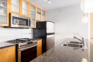 """Photo 4: 2402 969 RICHARDS Street in Vancouver: Downtown VW Condo for sale in """"Mondrian II"""" (Vancouver West)  : MLS®# R2508836"""