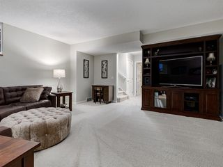 Photo 32: 5 SUNVISTA Crescent SE in Calgary: Sundance Detached for sale : MLS®# A1042796