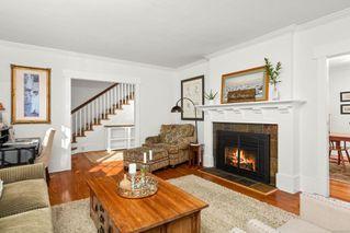 Photo 5: 2856 Dewdney Ave in : OB Estevan House for sale (Oak Bay)  : MLS®# 860853