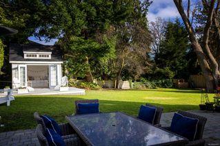 Photo 2: 2856 Dewdney Ave in : OB Estevan House for sale (Oak Bay)  : MLS®# 860853