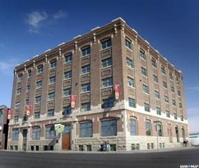 Photo 2: 401 2206 Dewdney Avenue in Regina: Warehouse District Condominium for sale : MLS®# SK785048