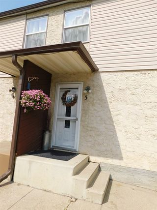 Photo 2: 5 4839 50 Street: Gibbons Townhouse for sale : MLS®# E4175751