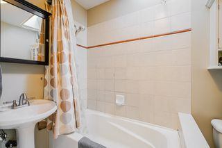 Photo 9: 1320 VICTORIA Drive in Vancouver: Grandview Woodland House 1/2 Duplex for sale (Vancouver East)  : MLS®# R2413229