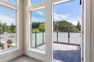 Photo 12: 401 2130 Sooke Rd in Colwood: Co Hatley Park Row/Townhouse for sale : MLS®# 842386