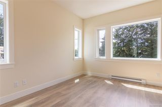 Photo 14: 401 2130 Sooke Rd in Colwood: Co Hatley Park Row/Townhouse for sale : MLS®# 842386