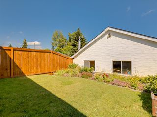 Photo 47: 2418 98 Avenue SW in Calgary: Palliser Duplex for sale : MLS®# A1025542