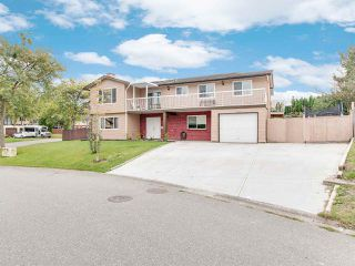 """Photo 2: 14199 72A Avenue in Surrey: East Newton House for sale in """"EAST NEWTON"""" : MLS®# R2504461"""