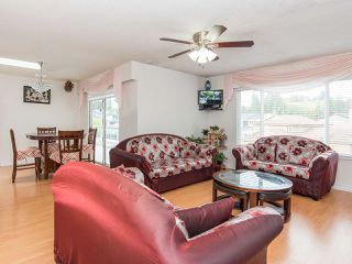 """Photo 4: 14199 72A Avenue in Surrey: East Newton House for sale in """"EAST NEWTON"""" : MLS®# R2504461"""