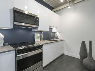 "Photo 17: 419 350 E 2ND Avenue in Vancouver: Mount Pleasant VE Condo for sale in ""MAINSPACE"" (Vancouver East)  : MLS®# R2394505"