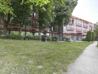 "Photo 2: 419 350 E 2ND Avenue in Vancouver: Mount Pleasant VE Condo for sale in ""MAINSPACE"" (Vancouver East)  : MLS®# R2394505"