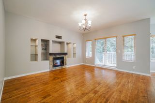 """Photo 4: 6614 205A Street in Langley: Willoughby Heights House for sale in """"Willow Ridge"""" : MLS®# R2447059"""