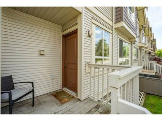 Photo 2: 45 19560 68 Avenue in Surrey: Clayton Townhouse for sale (Cloverdale)  : MLS®# r2455724