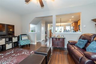 """Photo 8: 4 9280 BROADWAY Road in Chilliwack: Chilliwack E Young-Yale Townhouse for sale in """"FARRINGTON"""" : MLS®# R2501020"""