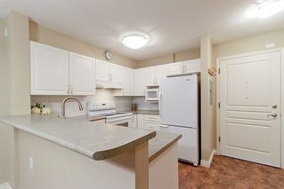 "Photo 5: 205 960 LYNN VALLEY Road in North Vancouver: Lynn Valley Condo for sale in ""Balmoral House"" : MLS®# R2502603"