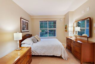 """Photo 9: 205 960 LYNN VALLEY Road in North Vancouver: Lynn Valley Condo for sale in """"Balmoral House"""" : MLS®# R2502603"""